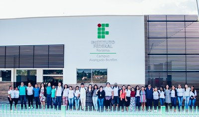Estudantes e servidores do Campus Avançado do Bonfim realizam ação em prédio que funcionará a instituição de ensino